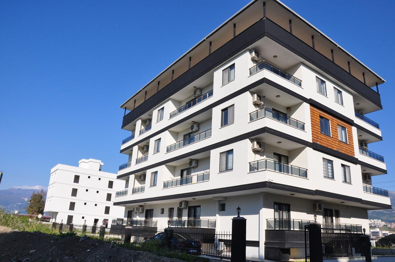 İskenderunda Seymen Alt Yapı Projesidir. Her katta 6 daire, toplamda 18 daireden oluşan binamızda tüm dairelerimiz 1+1 den oluşmaktadır.